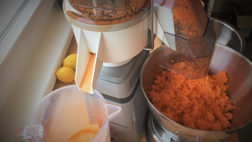 Carrot juicer in action